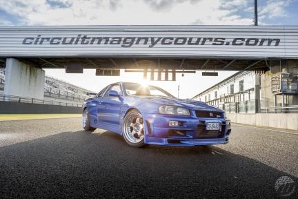 Nissan Skyline GT-R con WORK Meister S1