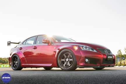 Lexus ISF con Work Meister L1 3P