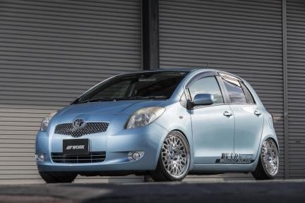 Toyota Vitz con Work Seeker CX