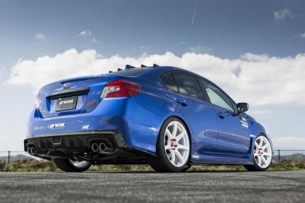 Subaru WRX STI con Work Emotion T7R