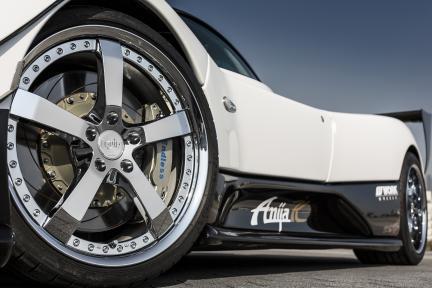Pagani Zonda con Work Wheels Equip E05