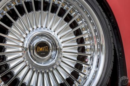 Toyota con Work Wheels Emitz
