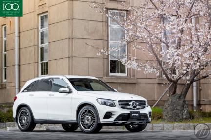 Mercedes Benz con Work Wheels Emitz