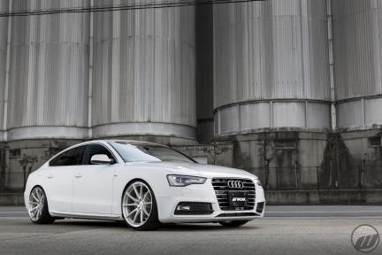 Audi A5 con Work Wheels Gnosis FMB 01