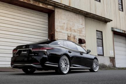 Lexus LS con Work Wheels Gnosis HR 201
