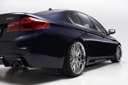 BMW G30 con Work Wheels Gnosis HR 201