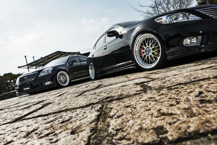 Lexus IS460, Toyota Majesta con Work Zistance W10M