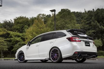 Subaru WRX STI con Work Emotion CR 2P