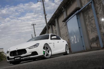 Maserati Ghibli con Work Wheels Gnosis GR 203