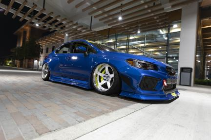 Subaru con Work Wheels Emotion T5R 2P